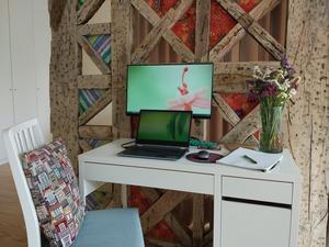 home-office-5030679_1920.jpg