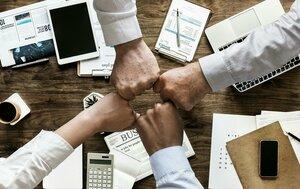 teamwork-gb10715533_1920.jpg